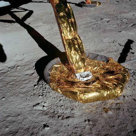 Landing gear of Apollo lunar lander